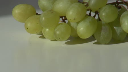 brush green grapes put and take