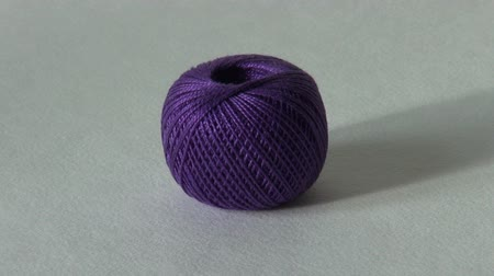 もつれた : ball of yarn for knitting and needlework