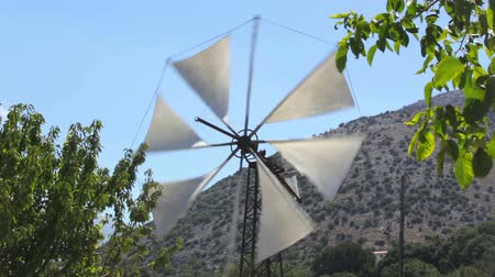 młyn : Greece, Crete. Traditional windmill on the plateau of Lasithi
