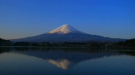fujiyama : Upside down Mt. Fuji in the Morning with blue sky fine weather from the Ubuyagasaki in Lake Kawaguchi Japan 04  10  2018