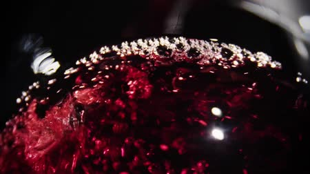 vinho : Wine Pour red liquid slowmotion