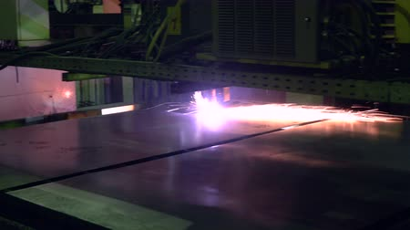 cúbico : Plasma cutting process Stock Footage