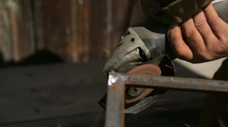 angle grinder : Working with angle grinder