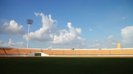 beisebol : time lapse ,stadium or football field, cloud moving, HD clip