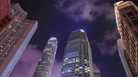 apartamentos : 4k Time-lapse of Building in Hong Kong city at night, China