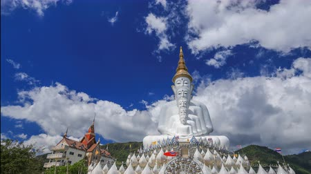 kaew : 4k Time-lapse of Five Buddhas at Wat Phra Thad Pha Son Kaew Temple, Phetchabun, Thailand Stock Footage