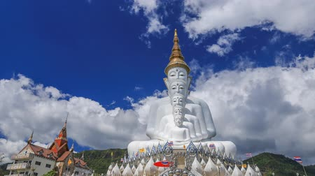 kaew : Time-lapse of Five Buddhas at Wat Phra Thad Pha Son Kaew Temple, Phetchabun, Thailand