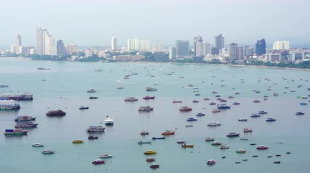 Pattaya, Thailand - Mar 31,2018 : Many transport boats take the tourist in Pattaya city, Thailand Wideo