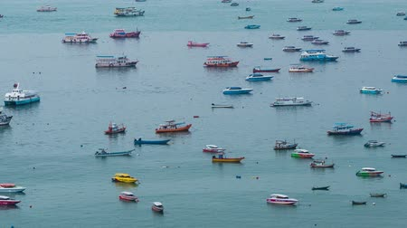 timelapse of many boats docking at Pattaya city 影像素材