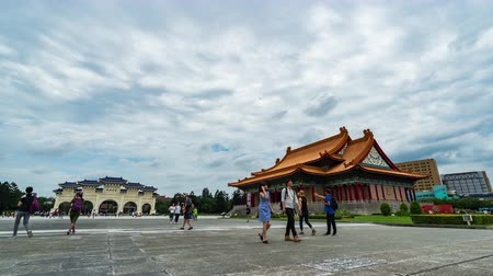 taiwan : time lapse of National Concert Hall and Liberty Square main gate of Chiang Kai-Shek Memorial Hall in Taipei, Taiwan Vídeos