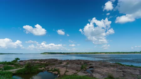 rivulet : time lapse of Mekong river at Keang Ka Bao, Mukdahan, Thailand Stock Footage
