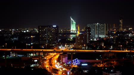 полночь : Bangkok city view and traffic road at night, Thailand
