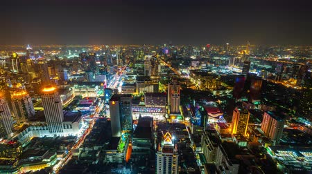 demiryolu : time lapse of Bangkok city downtown and road traffic at night in Thailand, Cityscape Stok Video