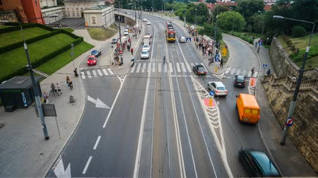 warszawa : daytime time lapse of Warsaw road in the center part of city in Poland Wideo