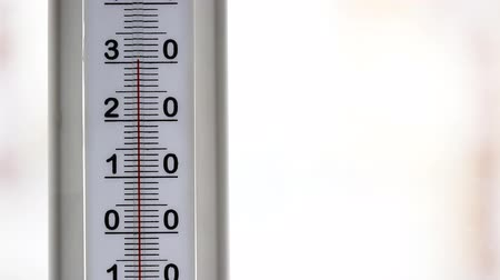 thermometer with rising temperature Stock Footage