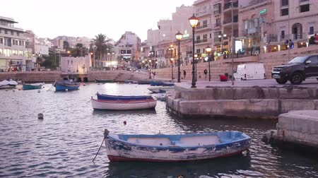 고대 : St. Julian, Malta, view of the boats in Spinola bay