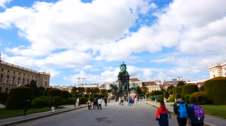 barok : Vienna, Austria, pan of Maria Theresien square Wideo