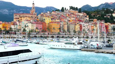 francja : Port in Menton, France
