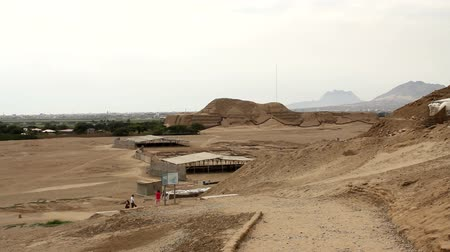 ruiny : Huaca del Sol and archaeological excavations in the Moche valley in Peru Wideo