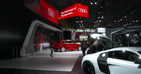 редакционный : Audi exhibit at the New York International Auto Show, at the Jacob Javits Convention Center