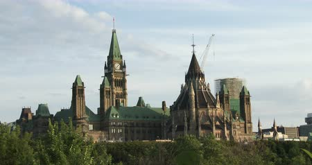 kanadai : Canadian Parliament in Ottawa, view of the side facing Quebec Stock mozgókép