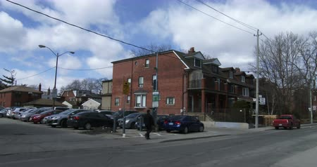architecture and urbanism : Establishing shot of small neighbourhood in Toronto, Canada