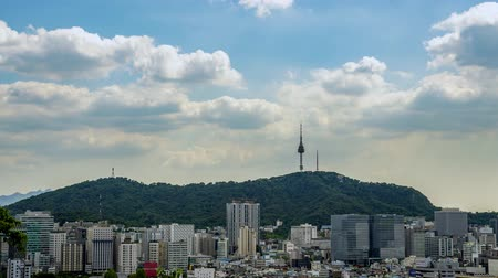 4k timelapse. Cloud-moving of Seoul downtown cityscape and Namsan Seoul Tower. Seoul, South Korea Stok Video