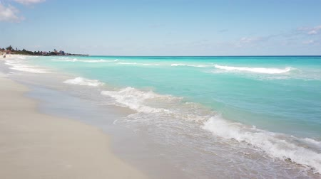 ilustrativo : Amazing beach of Varadero Cuba during the day.