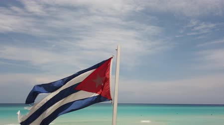 sosyalizm : Cuban flag flying on the beach Cuba, Varadero.