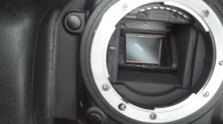 soczewki kontaktowe : Slow-motion shutter of the mirror camera, serial shooting of the camera
