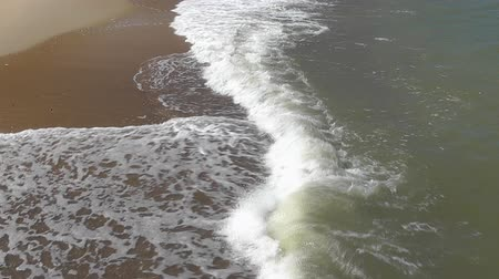 ondas : Sea waves and sandy beach