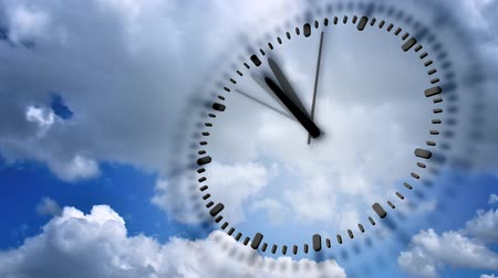 полночь : Clock In blue sky, seamless loop animation