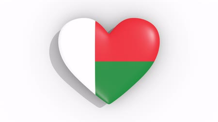 madagaskar : Heart in colors flag of Madagascar pulses, loop.