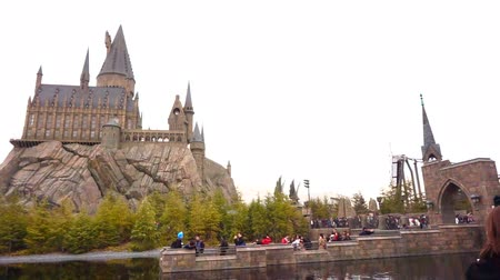 hrnčíř : OSAKA, JAPAN - March 2015: The Hogwarts castle in Universal Dostupné videozáznamy