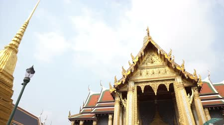 kaew : Bangkok Thailand - March 2016: Wat Phra Kaew, Grand Palace, Bangkok Landmark of Thailand Stock Footage