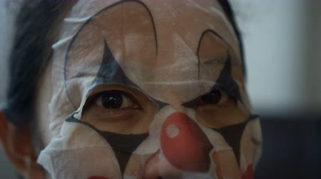 scary clown : Asian woman wearing face bozo mask halloween psycho clown girlfriend