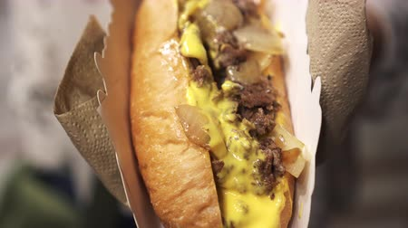 hot dog : Philly Beef Cheese Steak Steak Festival De La Nourriture Vidéos Libres De Droits
