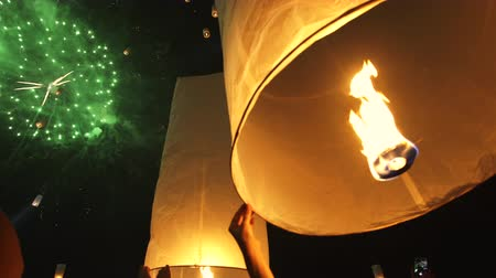 yeepeng : Hand Holding Floating Lanterns Yi Peng Festival Thailand Stock Footage