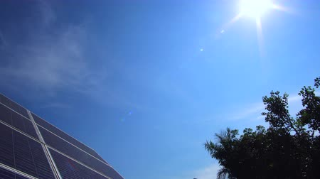 устойчивость : Sun Ray Shine Over Solar Panel Green Sustainable Renewable Energy