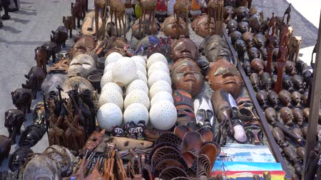 avestruz : South Africa Souvenir Wood Crafted Animal Dolls And Handmade Stuffs Stock Footage