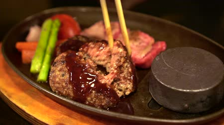 amburgo : Hot Plate Wagyu Beef Hamburge Japanese Food