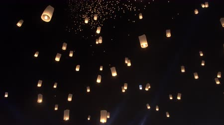 peng : Hundreds Yipeng latern festival in Thailand mass floating Stock Footage