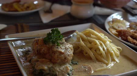 borjúhús : German cuisine meat with gravy and schnitzel food