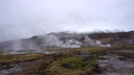гейзер : Iceland Great Geysir sightseeing area tourist nature attraction