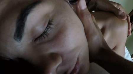 íntimo : Man Embracing Woman Lying In Bed POV Closeup Of Guy Hugging Girl Sleeping