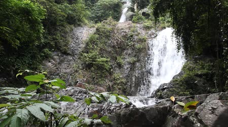 huai : Huai To Waterfall.