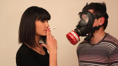 papieros : poisoning of cigarettes Wideo