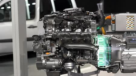 melez : new car hybrid engine Stok Video