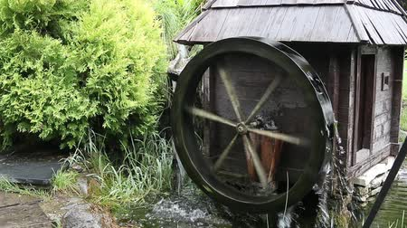 fülke : old wooden water mill Stock mozgókép