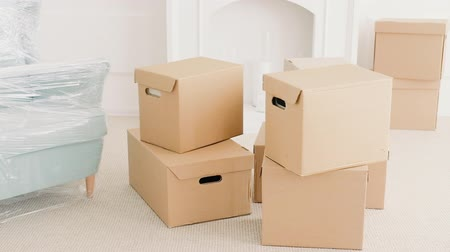 belongings : Moving home. Beginning of new life. Modern apartment. Real estate mortgage loan. Transportation service.